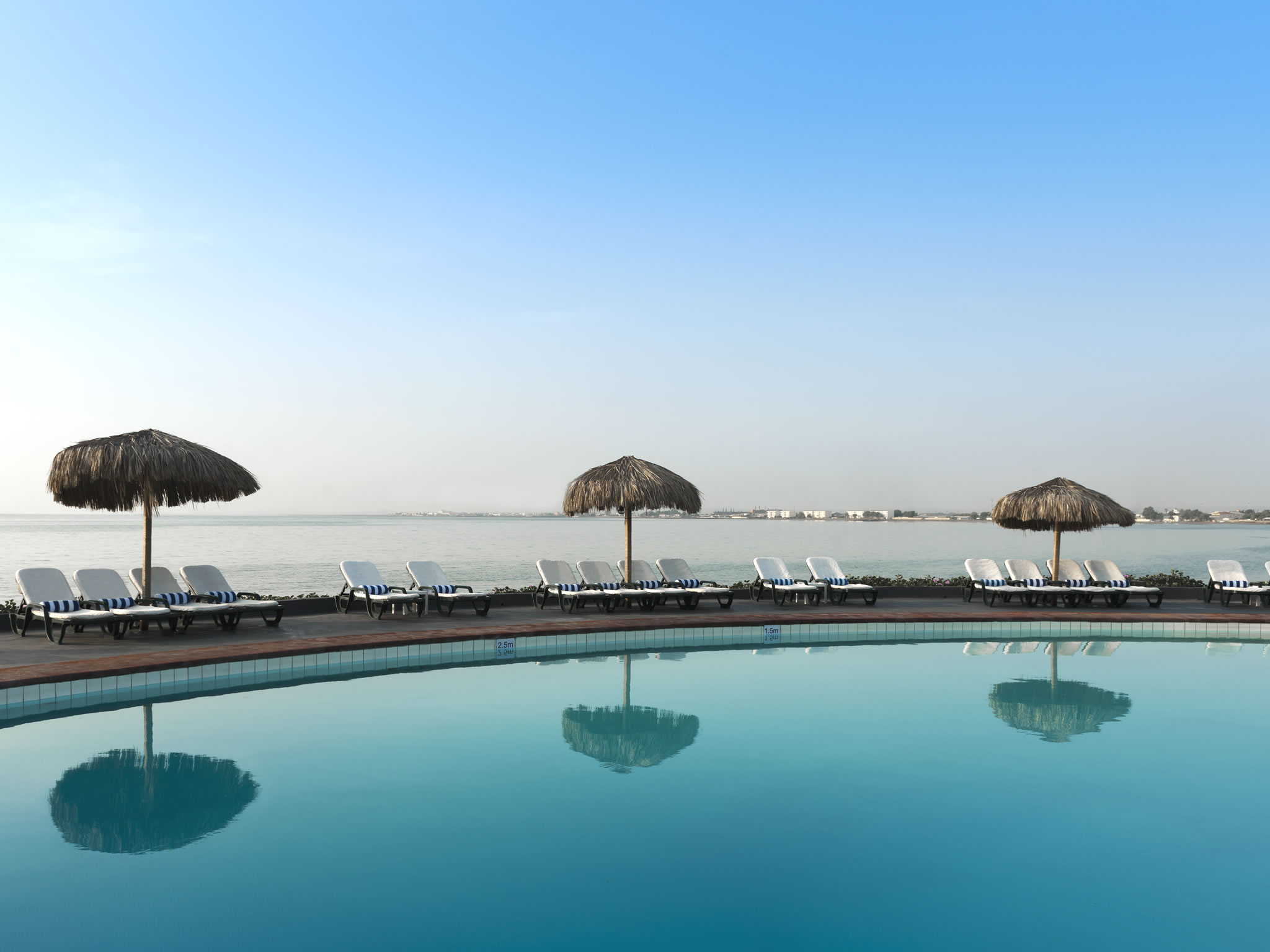 Sheraton Djibouti Hotel outdoor Khamsin Pool Bar